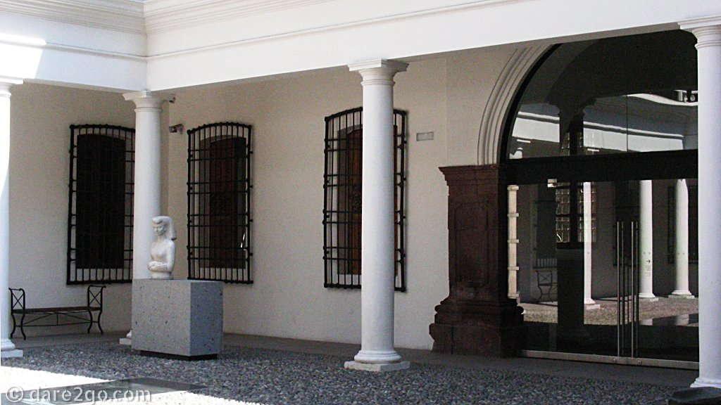 Museo del Arte Precolombino, courtyard