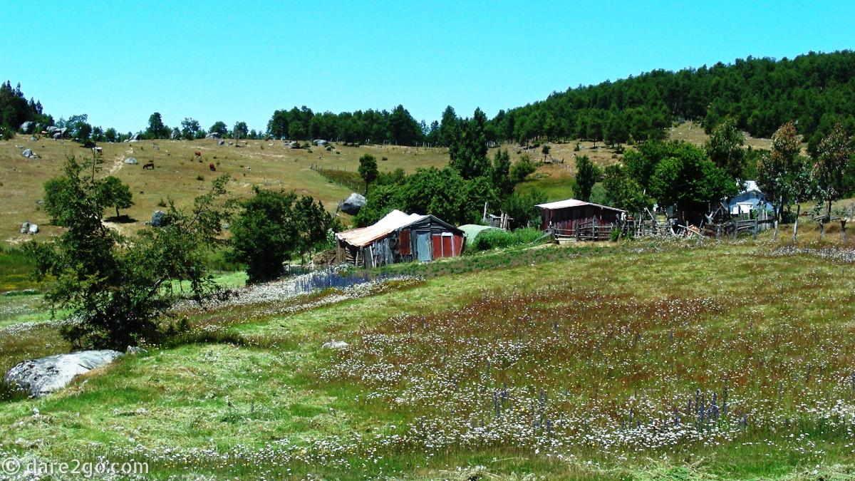 Just before the park entrance: rural settlement at Vegas Blancas