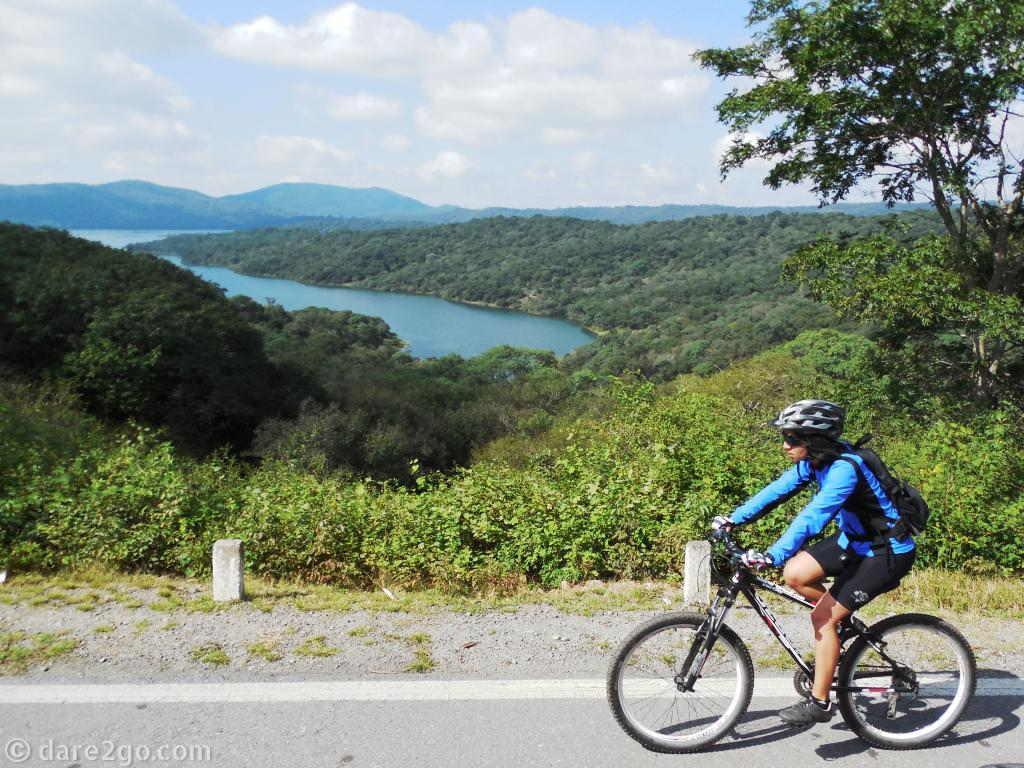 RN9 Jujuy to Salta: the Dique La Cienaga, a water reservoir, is a popular weekend destination.