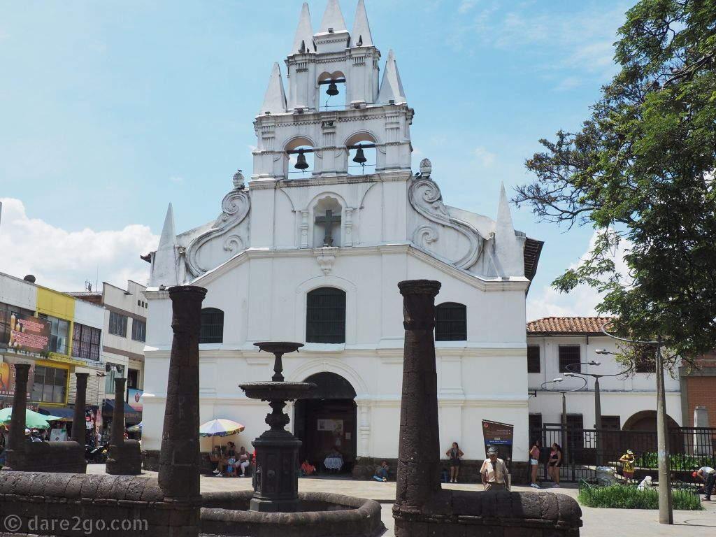 Iglesia de la Veracruz in Medellin - check out the 'girls', at the front of the church.